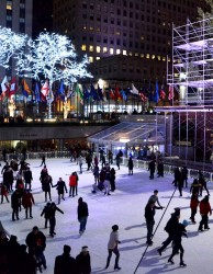 Schlittschuhlaufen in New York - am Rockefeller Rink