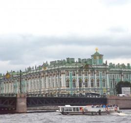 Top Sehenswürdigkeiten von St Petersburg Sightseeing auf der Newa