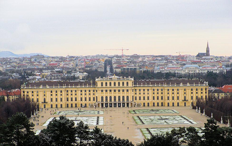 Schloss Schönbrunn und Wiener Hofburg im Winter