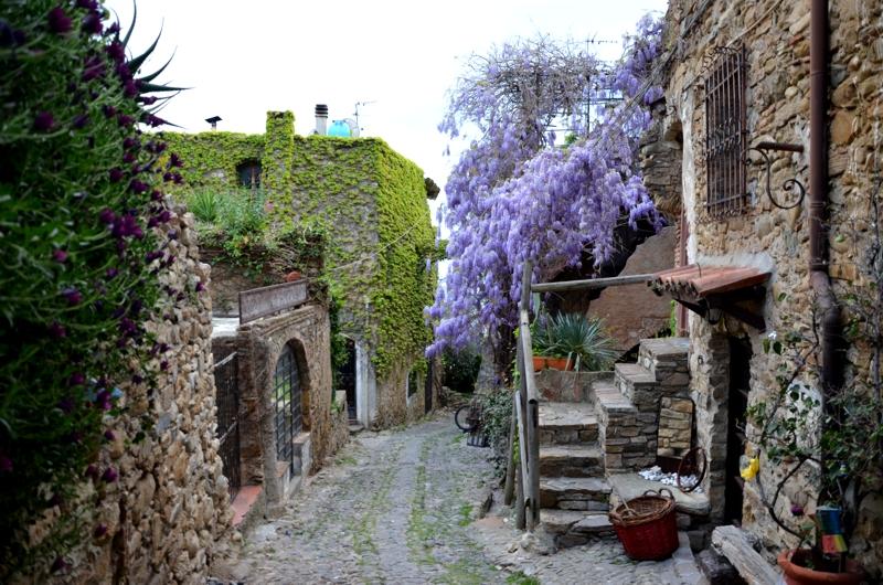 Bussana Vecchia - malerische Dörfer